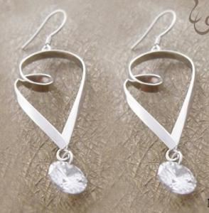China 925 sterling silver jewelry gemstone dangle earring with competitive price for lady on sale