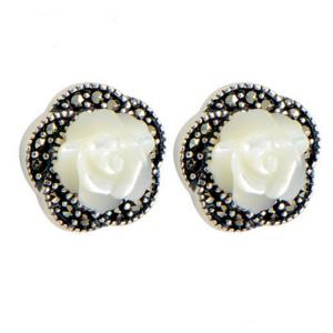 China 925 Silver Rosettes Mother of Pearl Stud Earrings (E014904W) on sale