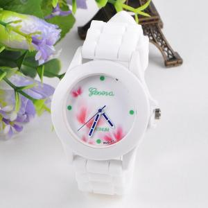 China 2015 NEW 18 white style Fashion Silicone GENEVA Watch Hot Selling Women Dress Watch, Women and Men Sports Watchs on sale