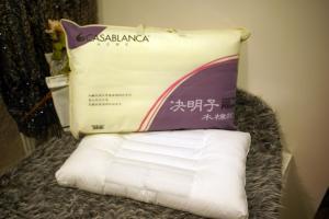 China Almohadas naturales de la comodidad de Kapok de la semilla sana blanca de la casia para el adulto on sale