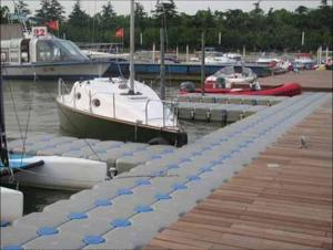 Quality China manufacturer HDPE pontoon for ship docks for sale