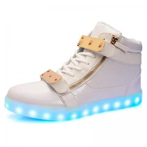 China Newest  evening shoes USB shoes charging shoes LED lights shoes men boots luminous shoes sportswear sneaker on sale
