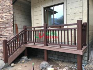 China Plastic wood composite Fence for villa decoration , Customized Privacy Fencing Anti - UV with little maintenance on sale