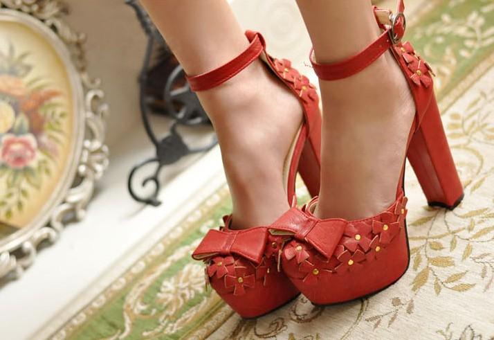 Знакомства высокие каблуки