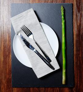 China rectangular 20*30cm natural black slate cheese board slate serving plate for tableware on sale