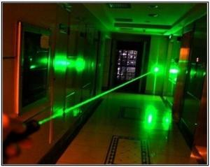 China New Long Distance 1000mw 1W Focusable Green laser pointer the Brightest Burning Laser Light Cigar DHL free shipping on sale