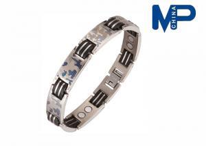 China O bracelete de aço inoxidável clássico do metal, os braceletes de couro do punho dos homens abraça a correia de pulso on sale