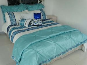 China Vermont Beige Blue 8 Piece Comforter Bed in Bag set Queen oversized overfilled on sale
