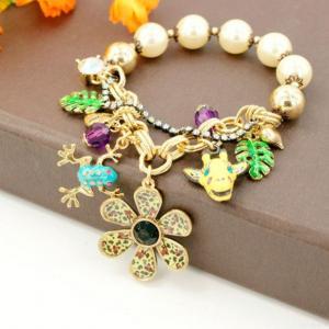 China Costume Jewelry Many Pendants Pearl Bracelet on sale