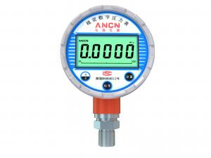 China Standard High Accuracy Digital Pressure Gauge 3.6V Battery Powered CE RoHS For Oilfield on sale