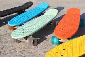 China Globe Bantam Penny Cruiser Complete Skateboard Board Skate on sale