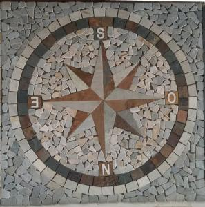 China Feature mosaic natural stones tiles in direction Pattern for Floor tile on sale