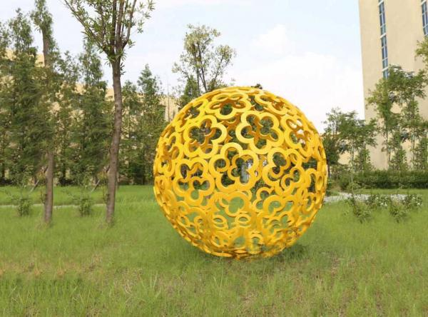 Large Garden Ornaments Statues Color Painted Decorative Stainless