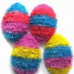 huevos de Pascua plásticos