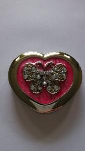 China Enamel Heart Shape Bag Hanger/ Holder with chain surrounded inside on sale