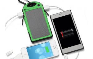 China 5000mAh旅行小型USBの携帯用充電器、緑の防水携帯用電話充電器 on sale