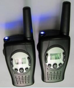 China Hand Crank Dynamo two way radio (walie talkie ) with LED Torch on sale