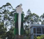 ODM Design White Baking Varnish Modern Art Statue For Large Outdoor Garden