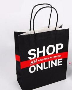 China Colored Recycled Clothing Paper Bags For Shopping Custom Logo Accepted on sale