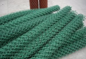 China high security hot dipped galvanized chain link fence top barbed wire on sale