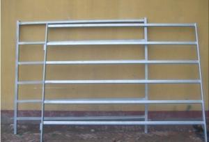 China Six Bars Heavy Duty Metal Oval Rail livestock fence panels  Locking Pins. . Victoria  on sale