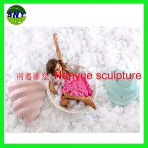 China artificial statue daily commodity 3D model life size statue in garden/ plaza/ shopping mall/photographer on sale