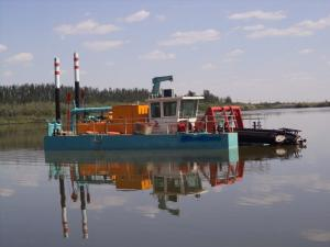 China cutter suction dredging boat equipped with iron separation unit on sale