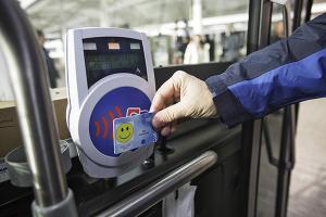 China Contactless Mifare Plus Smart RFID Card Custom Size Digital Printing on sale