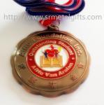 O bronze antigo pintou medalhas da lembrança com correias, medalhas pintadas do metal,
