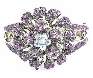 China Fashion white color 7# Pearl Beads crystal flower bracelet Jewelry for women on sale
