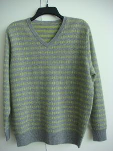 China Men's V-neck cashmere sweater on sale