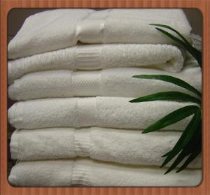 China Hot Selling!!! wholesale OEM Eco-friendly Cheap Fashion New Design Bath Towel on sale