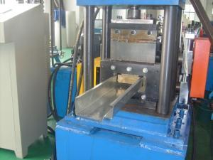 China 235Mpa a galvanisé le petit pain en acier de vue en acier de porte formant la machine 10500×1200×1200 millimètre on sale