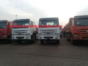 China Cargo Truck Chassis Capacity 25 - 40 Tons SINOTRUK HOWO ZZ1257N4641W TR691 Tyre on sale