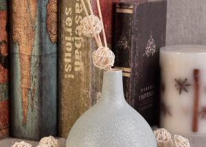 China Decorative Empty Diffuser Bottles Essential Oils Aromatherapy Ceramic Diffuser Bottle on sale