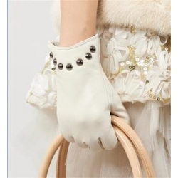 China Women Genuine Leather Gloves Women/Ladies Fashion Leather Gloves With Rivets GY366 on sale