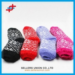 China Latest Winter Fashion Knitted Floor Socks For Ladies on sale