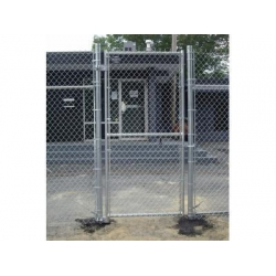 China 9 gauge chain link wire mesh fence for airport fence on sale