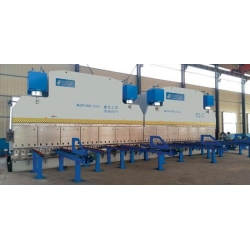 China WC67Y The linkage of two hydraulic sheet metal bending machine on sale