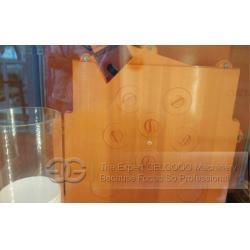 China Freshly Squeezed Orange Juice Vending Machine on sale