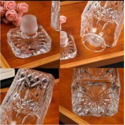 China Lead Free Square Glass Wine Bottle Whiskey Decanter Alcohol Container Pourer Wine Carafe on sale