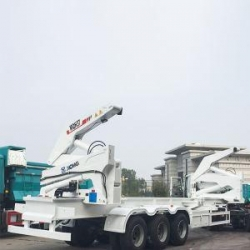 China XCMG 40ft Sidelifter Self Loading Sidelifter Container Crane Trailer Truck on sale