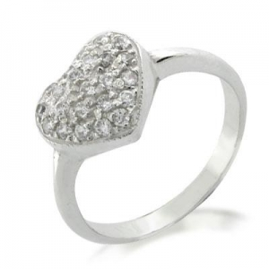 China 925 Sterling Silver Heart Shaped Ring with Gem Stones on sale