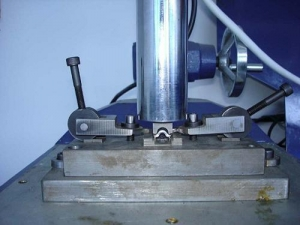 China Ultrasonic riveting (upsetting head) machine on sale