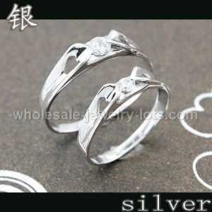 China Cheap Sterling Silver Valentine Rings on sale
