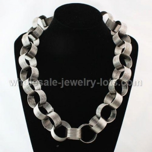 China Long Costume Jewelry Necklaces Wholesale on sale