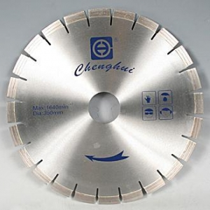 China SEGMENTED DIAMOND SAW BLADES on sale