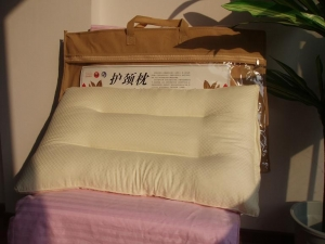 China 100% silk neck pillow on sale