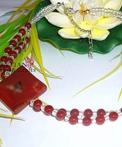 China red Semi-precious stone necklace with pendant on sale