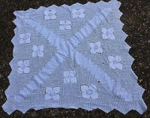 China Vintage white linen tablecloth 99x99 cm flower crochet on sale